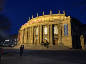 stutgart opera binası sihirli flüt operası mozart_
