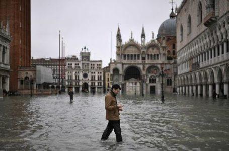 Venedik'te Sel Felaketi ve Bienal