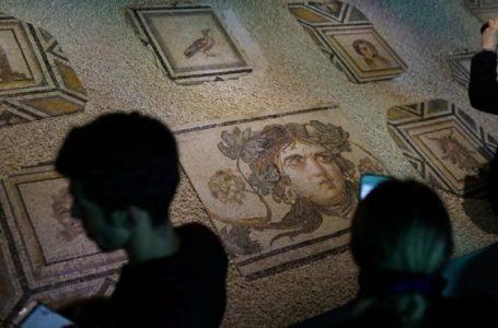 Çingene Kızı Mozaiği'nin hikayesi