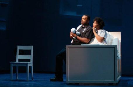 """""""Mavi"""" Opera; Beyaz Polis Siyah Genç ve Ölüm"""