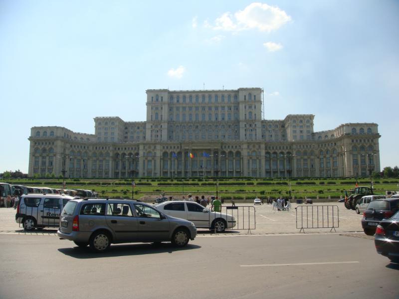 bukres-parlemento-binasi