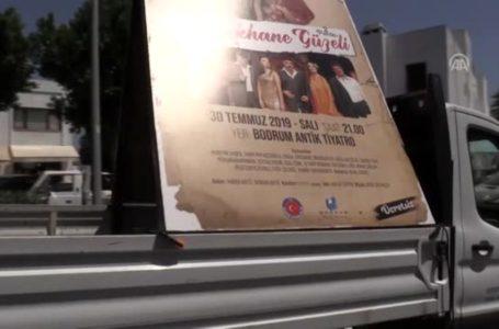 """""""Müzikal Tiyatro"""" için """"nostaljik"""" tanıtım"""