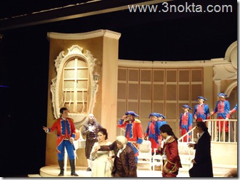 rossini sevil berberi operası 1.perdenin son sahnesi
